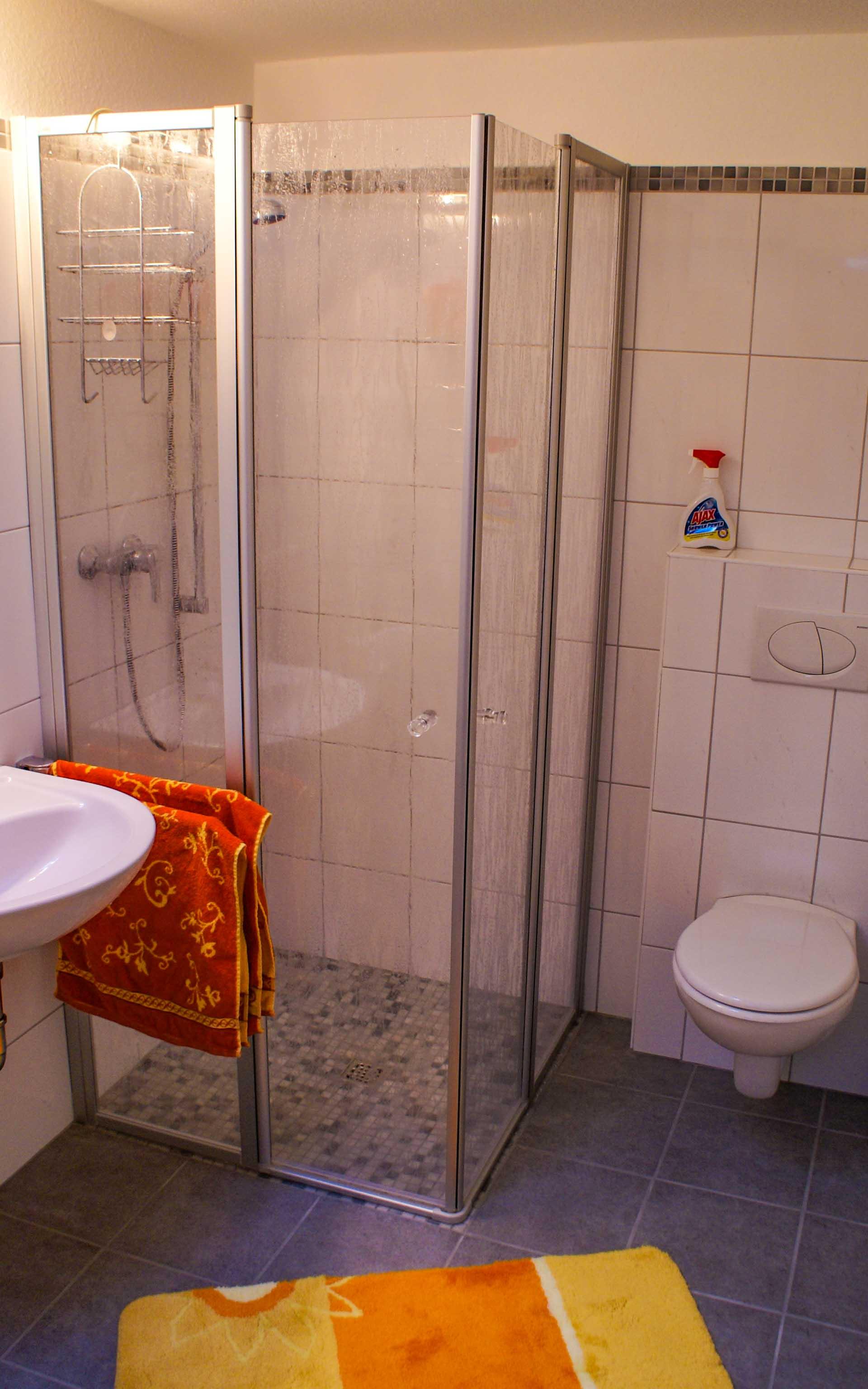 Bad mit Dusche Ferienwohnung Rastede